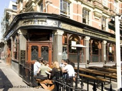 The Camden Head, exterior picture