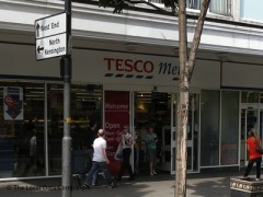 Tesco Metro Notting Hill Gate, exterior picture