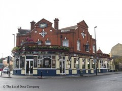 The Red Lion & Pineapple image