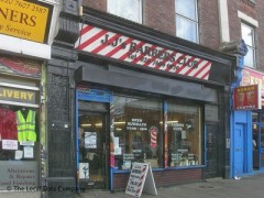 JJ\'s Barbers Club, exterior picture