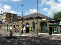 Stamford Hill Station image