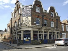 The Royal Oak, exterior picture