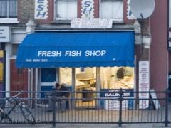 Fresh fish shop 13 morning lane london fishmongers for Fresh fish shop near me