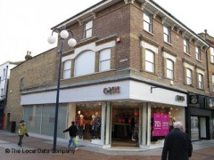 Oasis Stores, exterior picture