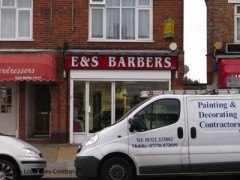 E & S Barbers, exterior picture
