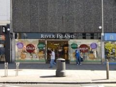 River Island Clothing Co image