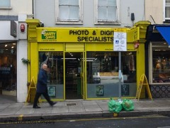 Snappy Snaps Barnet, exterior picture