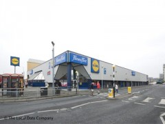 Lidl, exterior picture