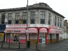 Louis Mann & Son, exterior picture