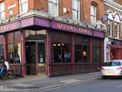 Queens Arms, exterior picture