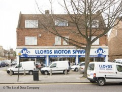 Lloyds Motor Spares, exterior picture