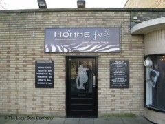 Homme Fatel, exterior picture