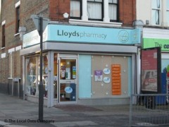 Lloydspharmacy, exterior picture