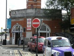 Harrow & Wealdstone Station image