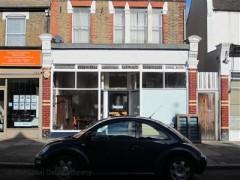 60 Myddleton Road image