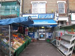 West Norwood Food & Wine, exterior picture
