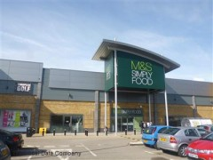 Marks & Spencer Simply Food, exterior picture