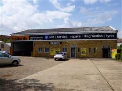 Halfords Autocentre Wangey Road Romford Garage