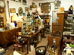 Best shops in London for avid antiques hunters image