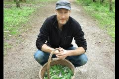 Hack it: urban foraging image